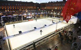 En 2007-2008, la patinoire était couplée au Marché de Noël. Archives.