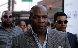 L'ancien champion du monde poids lourds de boxe Mike Tyson a plaidé coupable de détention de drogue et de conduite en état d'ivresse pour des faits survenus l'année dernière, a-t-on appris lundi de sources judiciaires à Mesa (Arizona, sud-ouest des Etats-Unis).