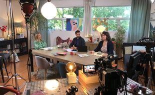 Le 18 mai 2020, Agathe Lecaron, Benjamin Muller et Anna Roy sur le plateau de La Maison des maternelles, version déconfinement.