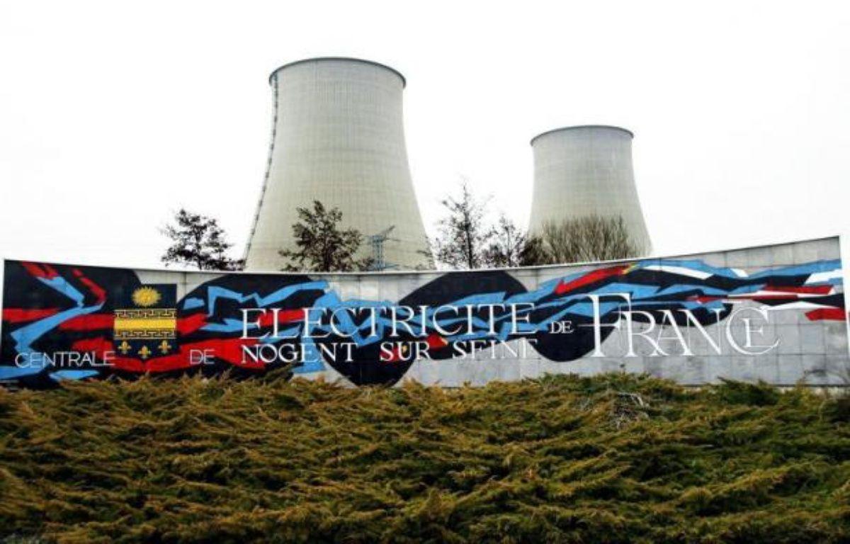 """Des militants de Greenpeace se sont introduits lundi matin dans la centrale nucléaire de Nogent-sur-Seine (Aube), a annoncé l'organisation écologiste, une """"intrusion"""" confirmée par la gendarmerie à l'AFP. – Alain Julien afp.com"""