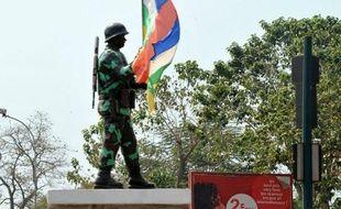 Les rebelles ont renforcé leur emprise samedi sur le territoire centrafricain, obligeant les forces régulières du président François Bozizé et leurs alliés à se replier à Damara, dernier verrou stratégique sur la route de la capitale Bangui où a été instauré un couvre-feu.