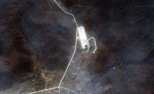 """""""Les systèmes américains ont détecté et suivi le lancement d'un missile nord-coréen Taepodong-2 à 18H39 (22H39 GMT)"""", a annoncé le Commandement de la défense aérienne nord-américain (NORAD)."""