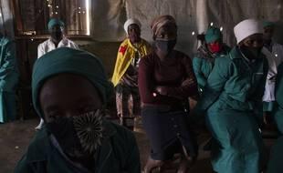 En Afrique du Sud, la pandémie de coronavirus a entraîné une chute de l'espérance de vie.