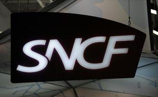 SNCF Mobilités, l'opérateur ferroviaire né le 1er janvier de la réforme ferroviaire, a annoncé mardi avoir dégagé un bénéfice net de 318 millions d'euros au premier semestre, plus que triplé par rapport au résultat retraité de 2014.