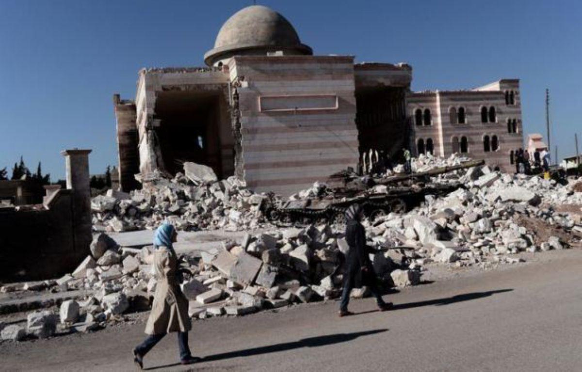 A Mogambo, un quartier huppé sunnite du nord-ouest d'Alep, Ghali Zaboubi possède deux cafés, dont l'un est réputé pour être celui des opposants. Son coeur penche en faveur du changement mais il rejette la rébellion armée qui ruine, selon lui, sa ville et le commerce. – Aris Messinis afp.com
