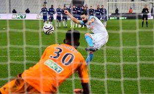 Coupe de la Ligue: Bingourou Kamara, gardien du Racing club de Strasbourg face à Adil Rami