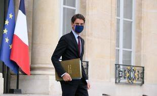 Coronavirus: «Isolement obligatoire» pour les voyageurs en provenance du Royaume-Uni, annonce Gabriel Attal