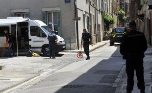 La mort de deux femmes gendarmes à Collobrières (Var) a suscité lundi une vague d'émotion dans la gendarmerie, concrétisée notamment par des appels lancés sur internet à des fermetures de brigades le jour de leurs obsèques.