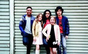 Les Kids United. De gauche à droite : Gabriel / Erza / Nilusi / Gloria / Esteban.