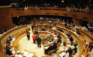 Au conseil municipal de Strasbourg, la gauche se méfie d'un prochain Franck Underwood. Plusieurs élus aimeraient probablement l'être. Illustration