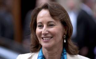 """Ségolène Royal, présidente PS de la région Poitou-Charentes, a confirmé samedi à La Rochelle sa candidature à la présidence de l'Assemblée nationale, estimant que ce n'est """"pas un handicap vis-à-vis des électeurs"""" de la 1ère circonscription de la Charente-Maritime dans laquelle elle se présente."""
