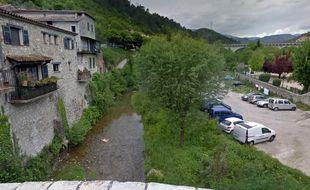 Le fleuve Paillon au niveau du village de L'Escarène (Illustration)
