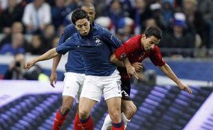 Le milieu de l'équipe de France, Samir Nasri (en bleu) lors d'un match des éliminatoires de l'Euro 2012 contre l'Albanie, le 7 octobre 2011.