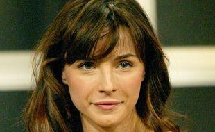 Lisa Sheridan  a fait des apparitions dans de nombreuses séries populaires et diffusées en France.