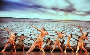 Cette septième session plénière de l'Ipbes a été ouverte par une chorégraphie de danse interprétées par 14 enfants de 7 à 14 ans de «Les arts en scène», lécole de danse de Montpellier.
