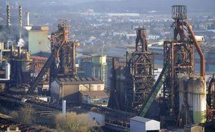 Le secteur européen de l'acier continuera à connaître des difficultés en 2013, avec une baisse de la demande comprise entre 2 et 4%, selon un rapport publié mercredi par l'agence Moody's alors que le gouvernement français est aux prises avec ArcelorMittal sur le dossier Florange.