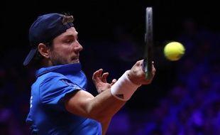 Lucas Pouille lors de la finale de la Coupe Davis contre Marin Cilic, le 25 novembre 2018 à Lille.