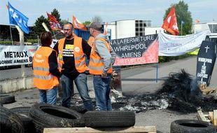 Piquet de grève des salariés de l'usine Whirlpool d'Amiens, dans la Somme.