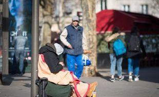 Une personne sans-abri à Paris. (Illustration)
