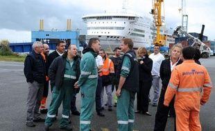 Les syndicats ont signé lundi peu avant 03h00 le protocole d'accord proposé par la direction de la Brittany Ferries, après consultation du personnel embarqué dimanche qui a dit oui à 58,68%, mettant fin au conflit qui immobilise les navires depuis dix jours