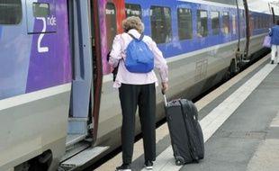Un projet prévoit d'abaisser la plate-forme des TGV pour qu'elle s'adapte aux quais.