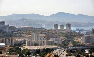 Vue de Marseille le 18 août 2009, lors d'une canicule ayant causé une forte pollution à l'ozone