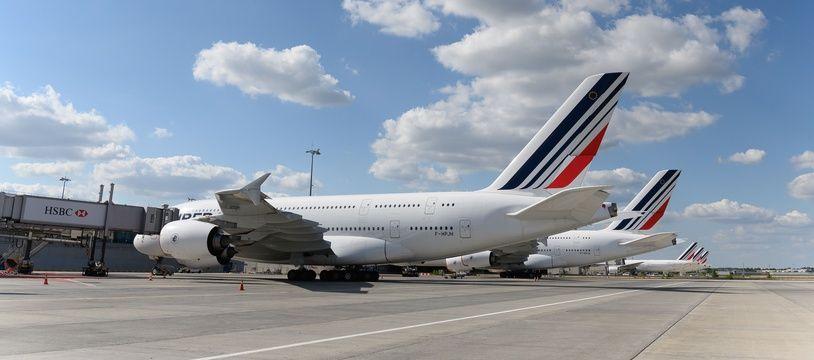 De nouveaux vols vers l'Algérie et des bateaux vers le Maroc pour rapatrier les ressortissants français.