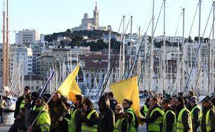 Environ 4.000 personnes ont défilé samedi à Marseille lors de l'acte XI des «gilets jaunes», aux côtés de la CGT.