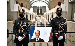 Ouverture exceptionnelle du Musée d'Orsay le 9 décembre 2020, afin de rendre hommage à Valéry Giscard d'Estaing décédé le 2 décembre, et de permettre aux citoyens de venir signer un livre d'or.