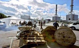 Les marins-pêcheurs ont levé mercredi le blocage de la plus grande raffinerie du pays près du Havre (nord-ouest), tandis que les agriculteurs et les chauffeurs routiers ont entrepris des actions à leur tour contre la hausse du prix du gazole.