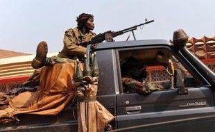 La rébellion centrafricaine a affirmé lundi vouloir prendre la ville de Damara, dernier verrou à 75 km au nord de Bangui, et réclamé à nouveau le départ du président François Bozizé, malgré les appels au dialogue de Paris.