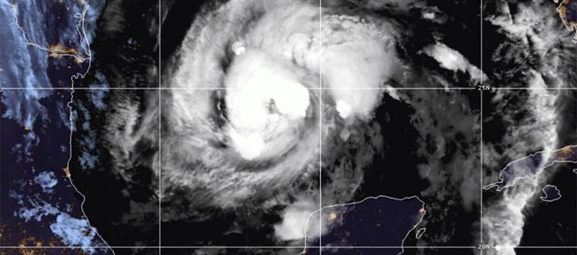 La tempête tropicale Zeta est redevenu un ouragan dans la nuit de mardi à mercredi 28 octobre 2020.