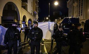 Dans la nuit du 20 au 21 mars 2019, lors de la reconstitution du meurtre du caporal Noyer, en présence de Nordahl Lelandais