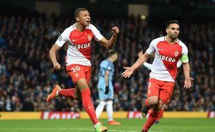 Kylian Mbappé fête son but lors de Manchester City-Monaco (5-3) en 8e de finale aller de la Ligue des champions, le 21 février 2017.