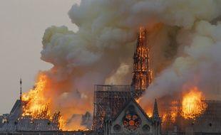 Une enquête pour «destruction involontaire par incendie» après le sinistre qui a ravagé Notre Dame le 15 avril 2019.