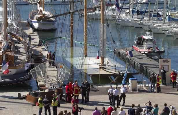 Un bateau restaurant coule dans le vieux port - Restaurant le vieux port marseille ...
