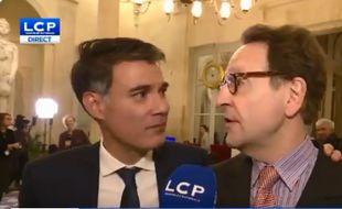 Olivier Faure (à gauche) a interrompu Gilles le Gendre (à droite) après le vote sur la motion de censure
