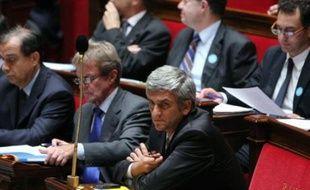 L'Assemblée nationale a autorisé lundi le maintien des forces armées françaises en Afghanistan, la majorité UMP et Nouveau Centre votant pour, l'opposition PS, PCF et Verts contre.