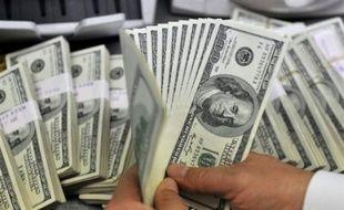Les chiffres du commerce extérieur des Etats-Unis montrent que l'affaiblissement du dollar, s'il aide les exportations américaines à être compétitives, ne sera pas nécessairement à long terme un stimulant efficace pour la première économie mondiale.