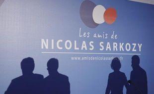 Des amis de Nicolas Sarkozy avaient organisé un meeting à la Maison de la chimie, à  Paris, le 20 février 2013.