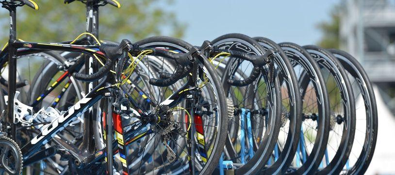 Le Tour de la Provence a dû limiter le nombre de voitures qui accompagneront le peloton.