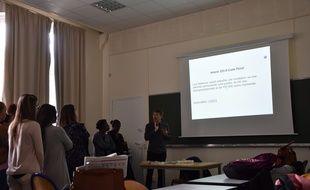 A l'Espé, Antoine dispense une formation à l'éducation sexuelle aux enseignants du premier et second degré ainsi qu'à des psychologues en master 2.