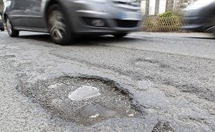 Les routes des Hauts-de-France manquent d'entretien (illustration).