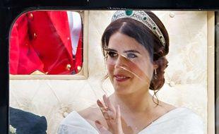 La princesse Eugenie défilant en carrosse le jour de son mariage.