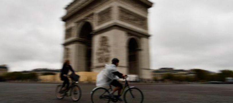 Des cyclistes à Paris en 2017.