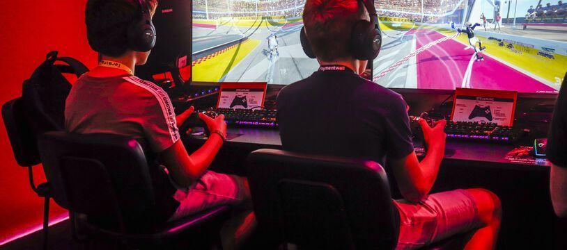 Des joueurs de jeux vidéo (illustration).