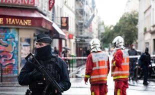 Autour de la rue Nicolas Appert à Paris le 25 septembre juste après l'attaque à l'arme blanche.
