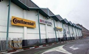 La CGT, FO, la CFDT, la CFTC et la CFE-CGC vont demander mardi au tribunal de grande instance (TGI) de Sarreguemines (Moselle) d'interdire à Continental de fermer son usine de Clairoix (Oise) avant la fin 2012, a indiqué l'avocat de ces syndicats, Me Ralph Blindauer, lundi à Metz.