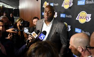 Magic Johnson a annoncé qu'il quittait les Lakers.