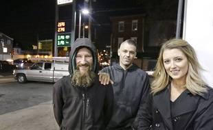 Kate McClure et son compagnon Mark D'Amico ont déjà collecté plus de 300.000 dollars pour venir en aide à Johnny Bobbitt Jr.